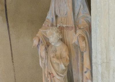 Avant restauration de la statue de la Madone - Vierge à l'enfant