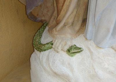 Madone - Vierge à l'enfant. Détail du serpent après restauration