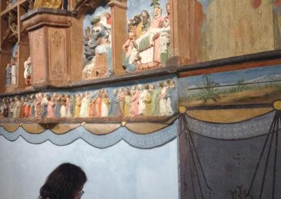 Pendant la restauration de la cantonnière du rideau