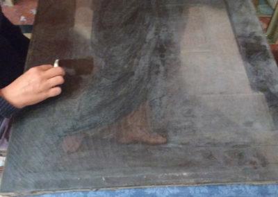 Pendant le nettoyage de la couche picturale